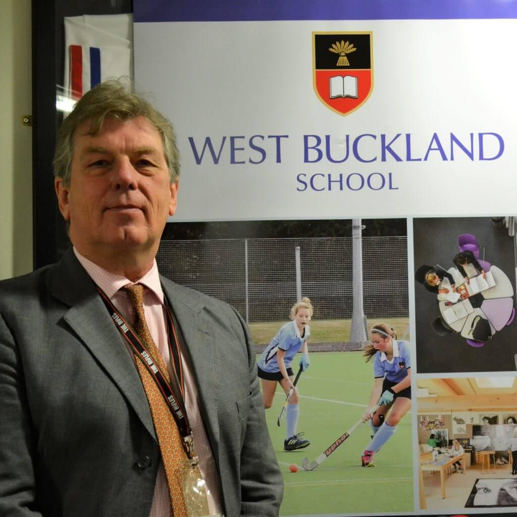 Mr Ian Blewett